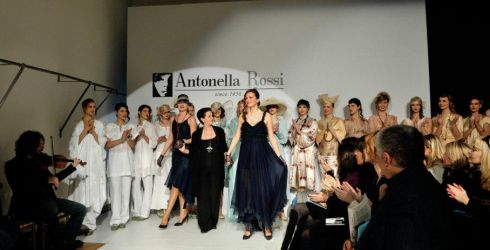 """""""Antonella Rossi"""" un marchio made in Italy che rende moderna ed immortale la sartorialità."""