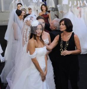 prove di nozze con l'abito da sposa